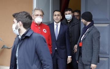 الصورة: وزير خارجية إيطاليا: لا تعاملونا معاملة مستعمرات الجذام