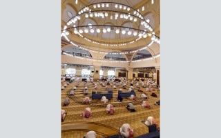 الصورة: 90 ألف مسجد تفتح أبوابها في السعودية.. و«الأقصى» يستقبل المصلين