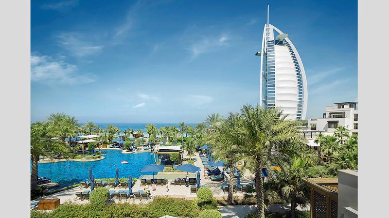 دبي وجهة سياحية متكاملة ومتنوعة تقدم للزوار العديد من التجارب المختلفة.  أرشيفية