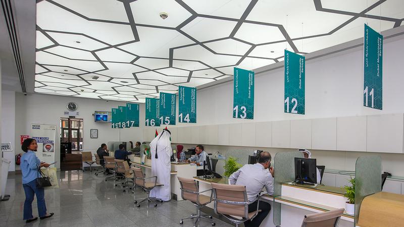 «موارد دبي» تؤكد ضرورة الالتزام بالإجراءات الاحترازية لمنع انتشار «كورونا». من المصدر