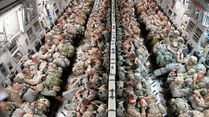 تقليص عدد الجنود الأميركيين بألمانيا أسهم في تردي العلاقة بين أميركا وألمانيا أكثر. رويترز