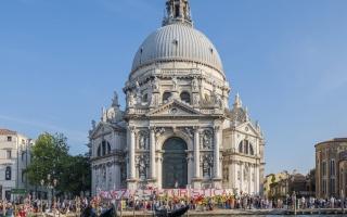 الصورة: عودة الحياة والسياحة إلى البندقية الإيطالية
