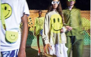 الصورة: Smiley يزيّن مجموعة مختارة من الأزياء والإكسسوارات