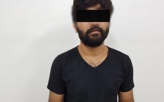 الصورة: شرطة دبي تضبط عاطلاً قتل رجل وزوجته وطعن ابنتهما بسكين