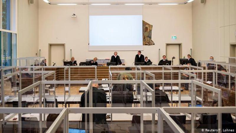 محاكمة اثنين من ضباط المخابرات السورية تتواصل. من المصدر