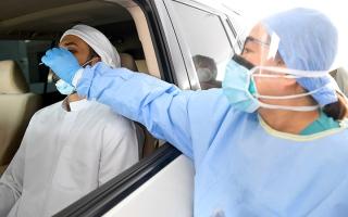 الصورة: 49 ألف فحص تكشف عن 430 إصابة جديدة بـ «كورونا»