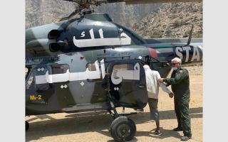 الصورة: «جناح جو رأس الخيمة» ينقذ مواطناً  تعرض للإجهاد خلال رحلة جبلية