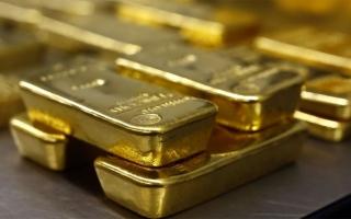 """الصورة: الذهب ينزل مع اتجاه المستثمرين للدولار للتحصن من متاعب """"كورونا"""""""