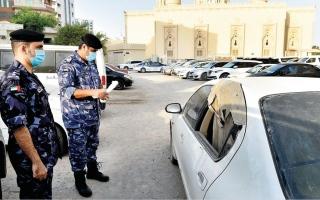 الصورة: شرطة الشارقة تتعامل مع 419 مركبة مهملة