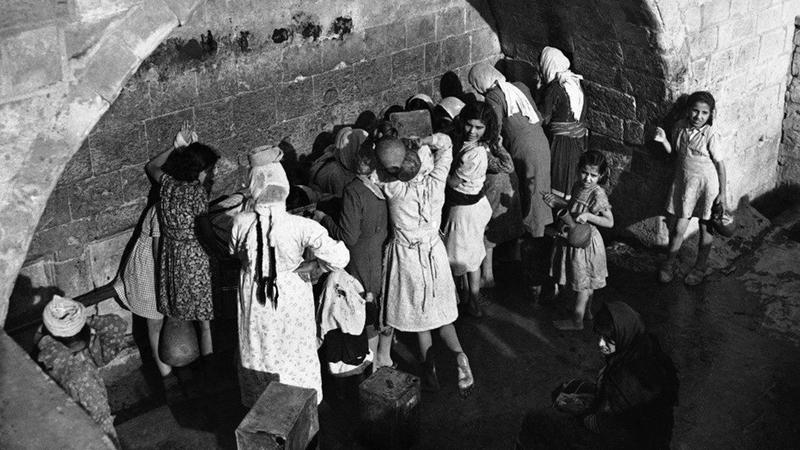 تعرّض الفلسطينيون للتفرقة العنصرية منذ الأيام الأولى للنكبة. أرشيفية
