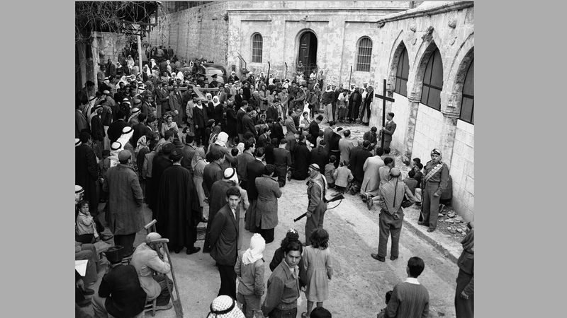 تم حبس الفلسطينيين عام 1948 داخل معازل من الأسلاك الشائكة بلا أبواب في مدن عدة. أرشيفية