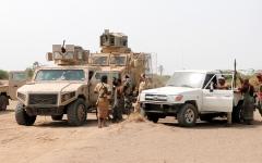 الصورة: مقاتلات التحالف تدمر تعزيزات عسكرية للميليشيات في البيضاء