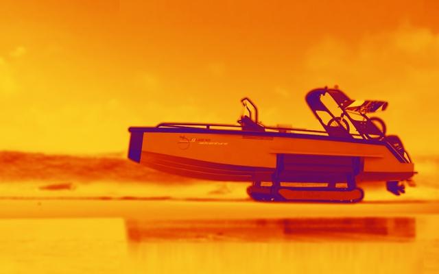 الصورة: بالفيديو: قوارب برمائية تنقل الركاب من المنزل إلى البحر