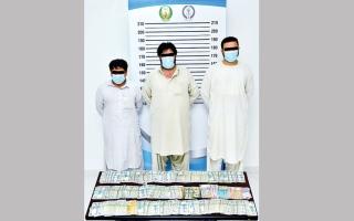 الصورة: شرطة الشارقة تعيد 660 ألف درهم بعد سرقتها بـ 24 ساعة