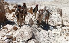 الصورة: الجيش اليمني يحرّر مواقع جديدة في محافظة البيضاء