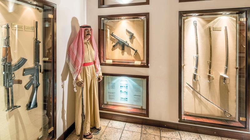 متحف نايف يعرف بتاريخ الشرطة والخدمات الأمنية في الإمارة.  من المصدر
