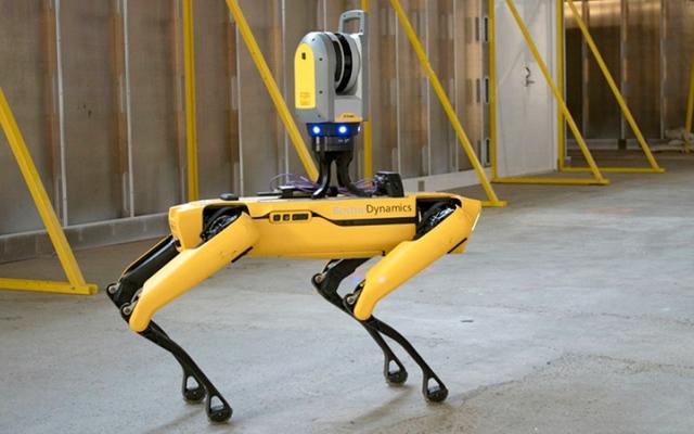 الصورة: «كورونا» يزيد من سرعة «الرقمنة» والاعتماد على الروبوت في قطاع الإنشاءات