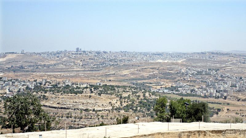 ثلث مساحة قرية النبي صموئيل صودر للمستوطنات.   الإمارات اليوم