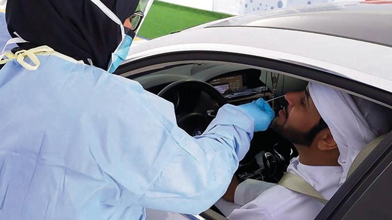 الإمارات باتت نموذجاً ملهماً لدول العالم في الاستباقية والجاهزية لإدارة أزمة «كورونا». تصوير: إريك أرازاس