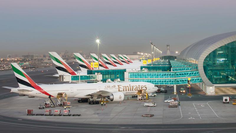 «طيران الإمارات» سيّرت رحلات ركاب إلى وجهات عدة مع إعادة الافتتاح التدريجي للأنشطة التجارية والسياحية. أرشيفية