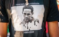 الصورة: هاشالو هونديسا.. صوت إثيوبيا الثوري المولود في غياهب السجون