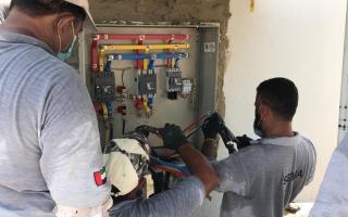 توصيل الكهرباء لعدد 135 ملحق سكني في الشارقة  خلال 15 يوم