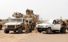 الصورة: تدمير غرفة عمليات ومخزن أسلحة للميليشيات في صعدة والجوف