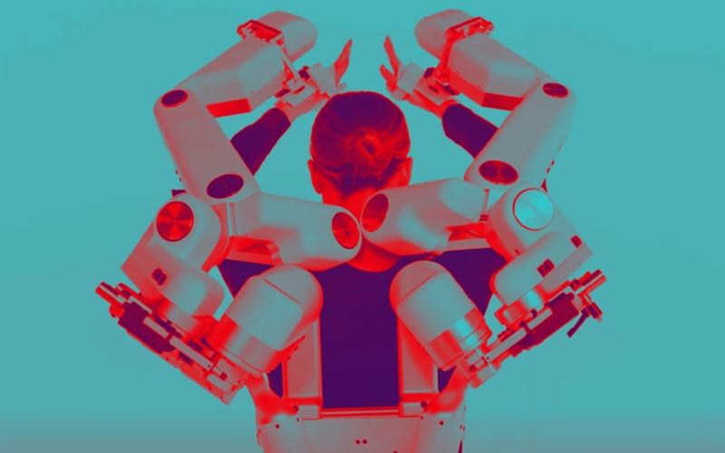 الصورة: بالفيديو.. روبوت يساعد المصابين بالسكتة الدماغية على التحكم في عضلاتهم