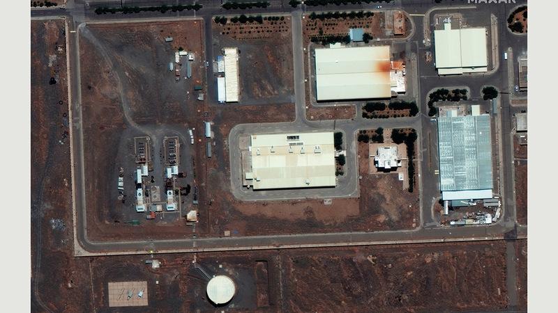 آثار الدمار تبدو واضحة في منشأة نطنز النووية الإيرانية في صورة حديثة بالأقمار الاصطناعية.   إي.بي.إيه