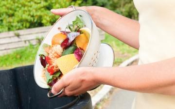 الصورة: هدر الطعام.. مشكلة تتهدّد مائدة غذاء العالم