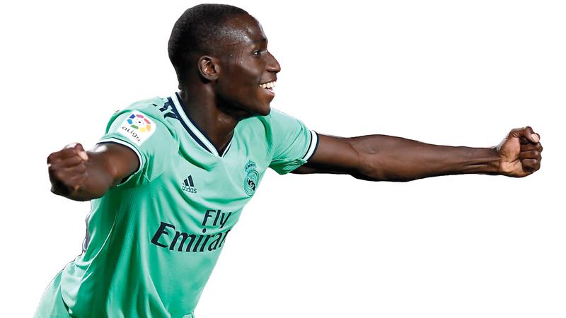 أصبح مندي اللاعب الـ21 الذي يسجل للريال في «الليغا» هذا الموسم. أ.ف.ب