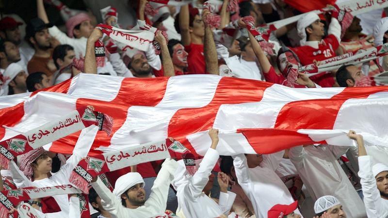 جمهور الشارقة يأمل الاحتفاظ بلقب دوري الخليج العربي الموسم المقبل. ■ تصوير: أسامة أبوغانم