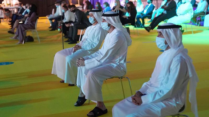 حمدان بن محمد خلال حضوره جلسة خاصة ضمن فعاليات المؤتمر. من المصدر