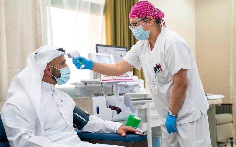 الصورة: بالفيديو.. «صحة أبوظبي» تدشن التجارب السريرية للقاح «كورونا»