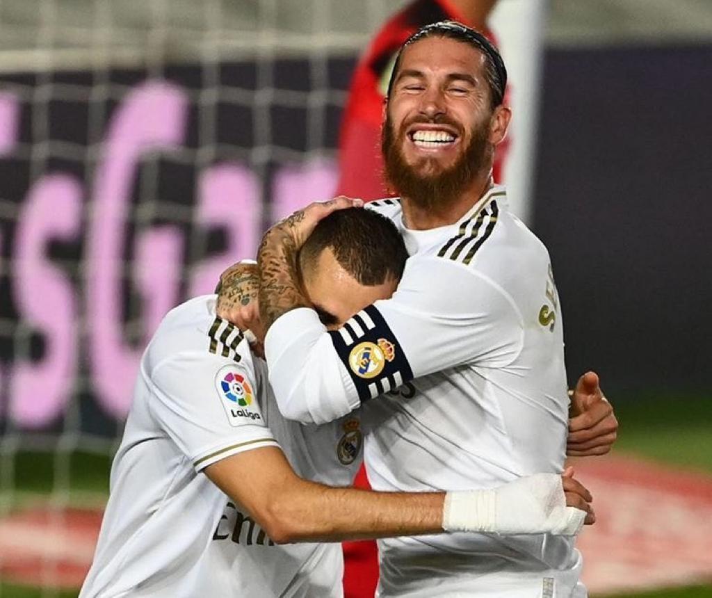 بالصور ريال مدريد يستعيد لقب الدوري الإسباني من غريمه برشلونة