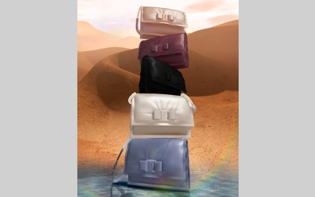 الصورة: #النصف_الحلو.. حقيبة VIVA Bow الجديدة أحدث فرد في عائلة VIVA