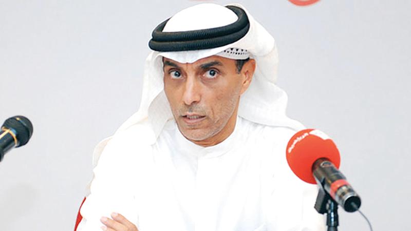 محمد عمر: « التعرض للعقوبات راجع إلى تعامل إدارة الفريق مع ما يحدث في الملعب».