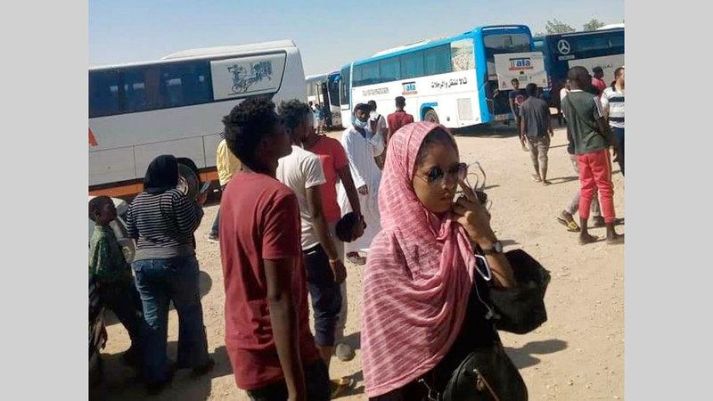 بعض الروايات تقول إن صلة قرابة تربط بين رزيقات السودان ورزيقات صعيد مصر.  من المصدر