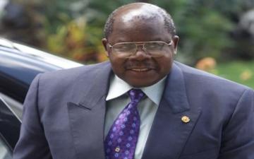الصورة: وفاة رئيس تنزانيا السابق بنجامين مباكا