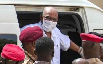الصورة: السودان.. العثور على مقبرة جماعية تضم رفات 28 ضابطاً أعدمهم نظام البشير