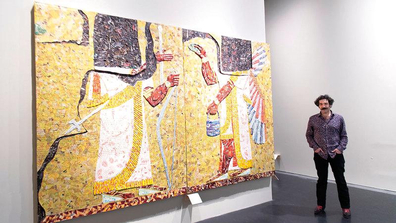 أعمال الفنان تعرض على امتداد الطابقين الأول والثاني في مركز جميل للفنون.  تصوير: أحمد عرديتي