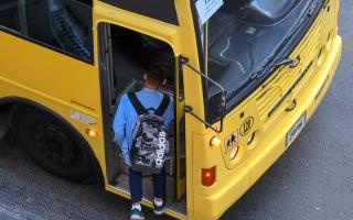 الصورة: مدرسة خاصة بالشارقة تفاجئ طلبتها وتنقلهم إلى فرع آخر