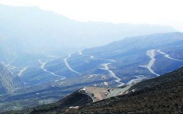 الصورة: 12 ألف مركبة زارت قمة جبل جيس خلال عطلة العيد