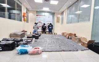 شرطة أبوظبي تضبط 1.2 مليون حبة مخدّرة thumbnail