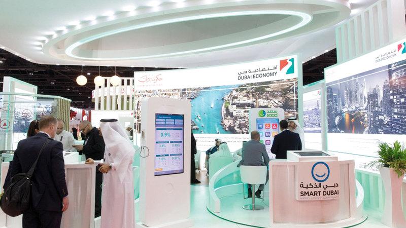 اقتصادية دبي تستخدم المنصات الإلكترونية الذكية لتحسين وعي المستهلكين.  أرشيفية