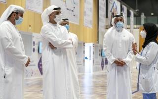 خالد بن محمد يطّلع على نتائج مركز تقييم «كوفيد-19» في أبوظبي thumbnail