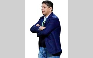 الصورة: أيمن الرمادي.. أقدم مدربي دوري الخليج العربي