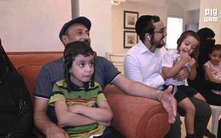 الصورة: بالفيديو ..الإنسانية  في أبهى صورها .. الإمارات تجمع شمل عائلة يمنية يهودية بعد فراق 15 عاما