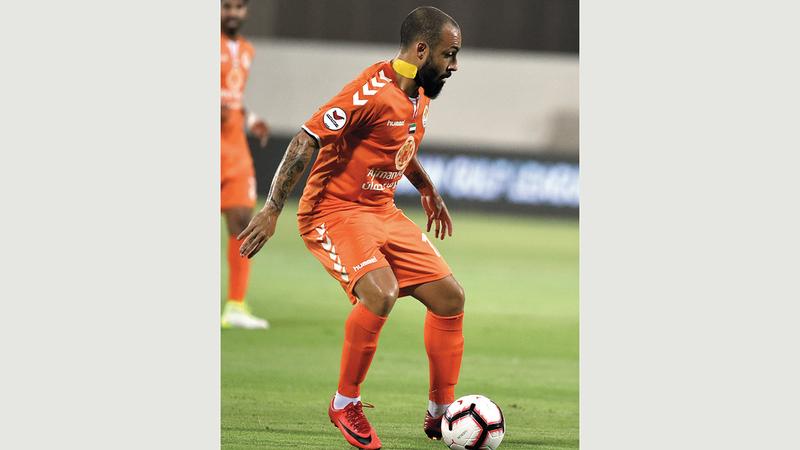 فييرا سجل مع عجمان 13 هدفاً في موسمين.   تصوير: أسامة أبوغانم