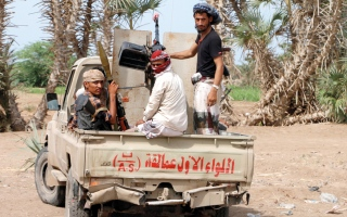 الصورة: ميليشيات الحوثي تقصف قرى في البيضاء بالأسلحة الثقيلة